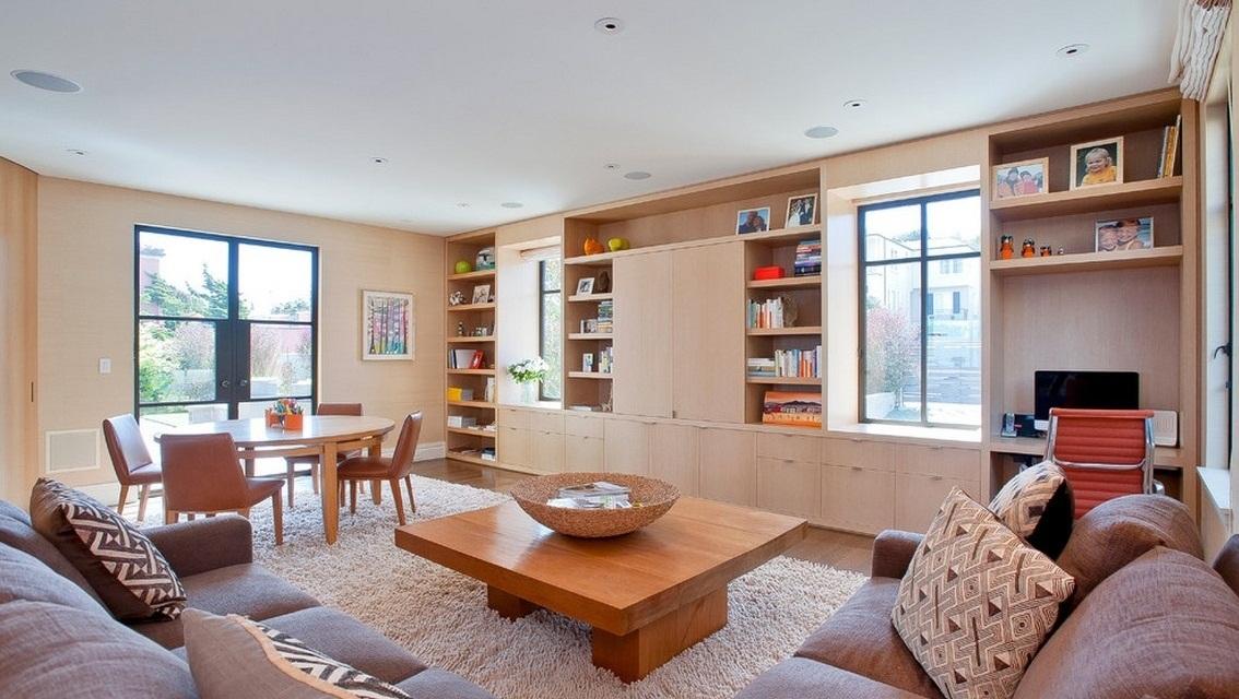 Потолок в американских гостиных как правило окрашивают в белый цвет