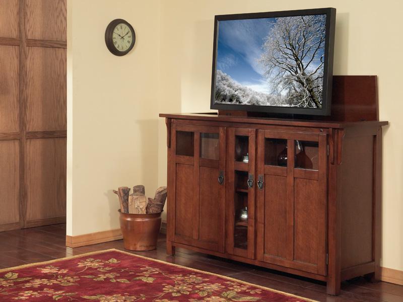 Тумба с подъемным механизмом позволяет при необходимости скрыть телевизор внутри