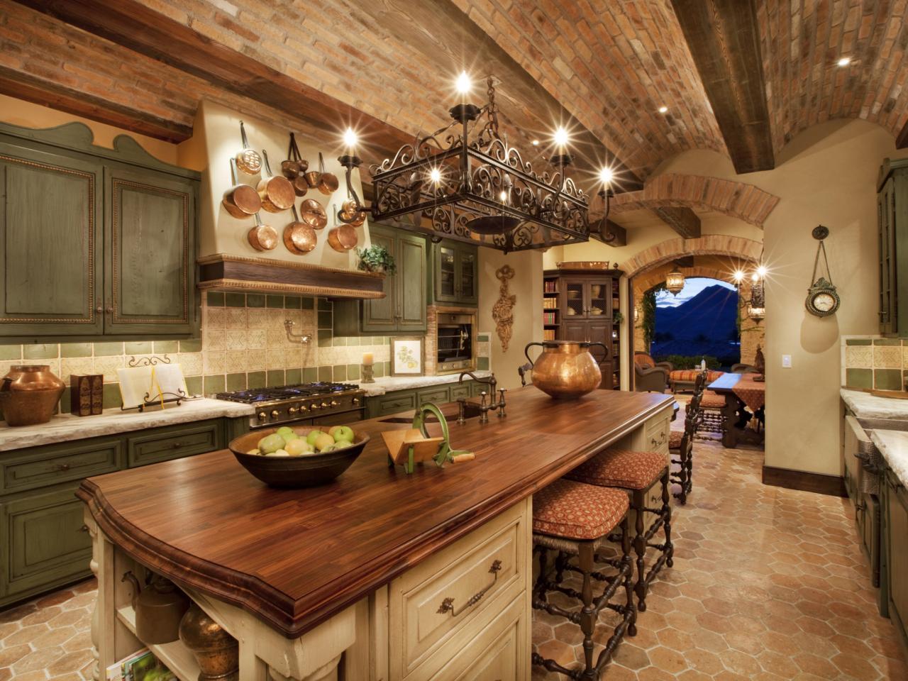 Кхня в итальянском стиле - это не только дворцовая роскошь, но и уютное кантри
