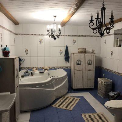 Мебель ручной работы в ванной в стиле прованс
