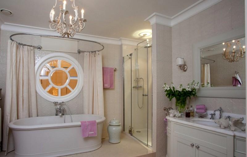 просторная ванная комната в американском стиле