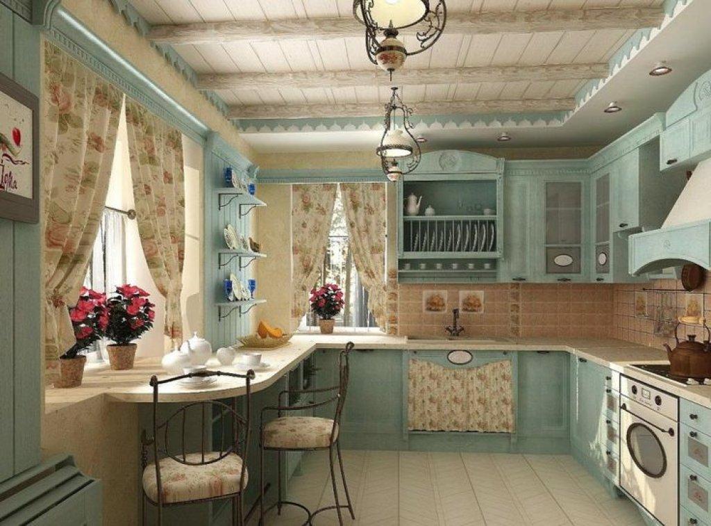 Выбирая французский стиль штор, следует обратить внимание на модели с цветочным принтом