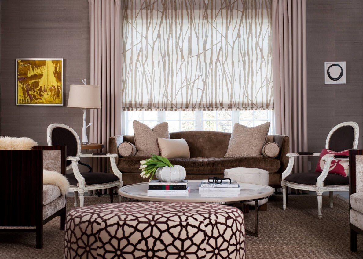 В зале в стиле модерн допустимо использование римских штор