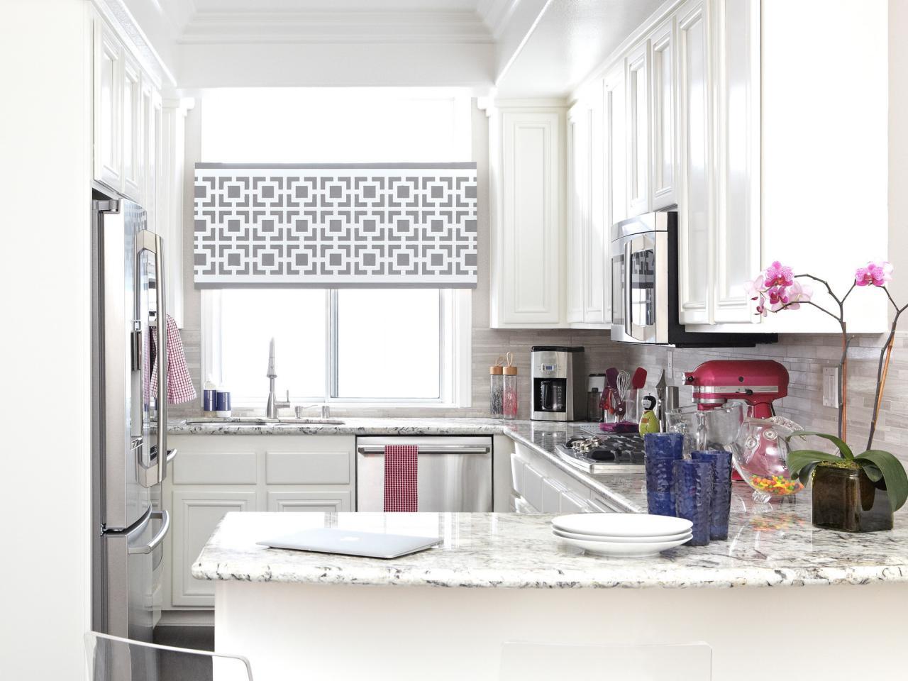 Скандинавский стиль станет удачным выбором для маленькой кухни, поскольку светлый цвет и простота форм способны визуально расширить простанство