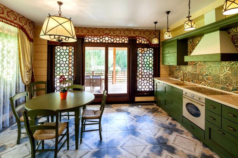 зеленые акценты в интерьере кухни