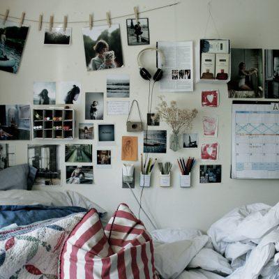 Фото на стенах тумблер