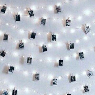 Мелкие фото на стенах