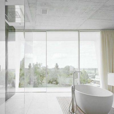 Панорамные окна в ванной