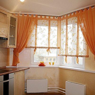 Короткие оранжевые шторы
