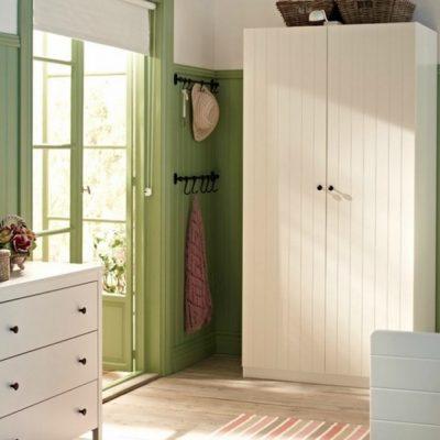 Украшение спальни мебелью в американском стиле в интерьере на фото