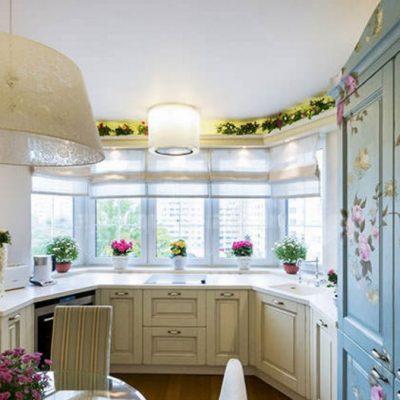 Обои прованс стиля на стене кухни