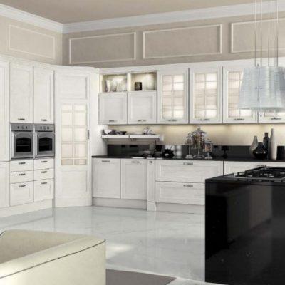 Светлая кухняв белых тонах