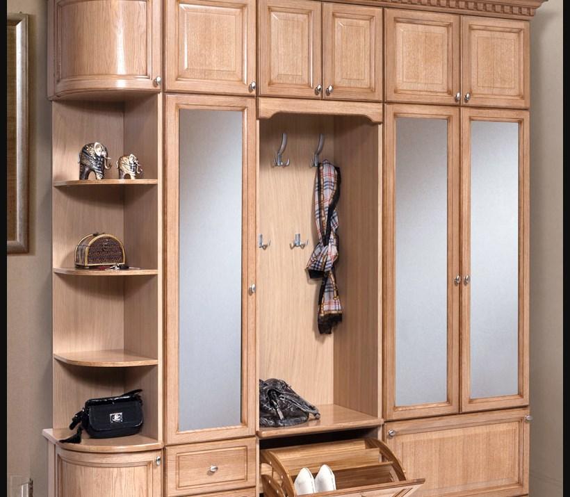 Коричневый шкаф из дерева модульного типа