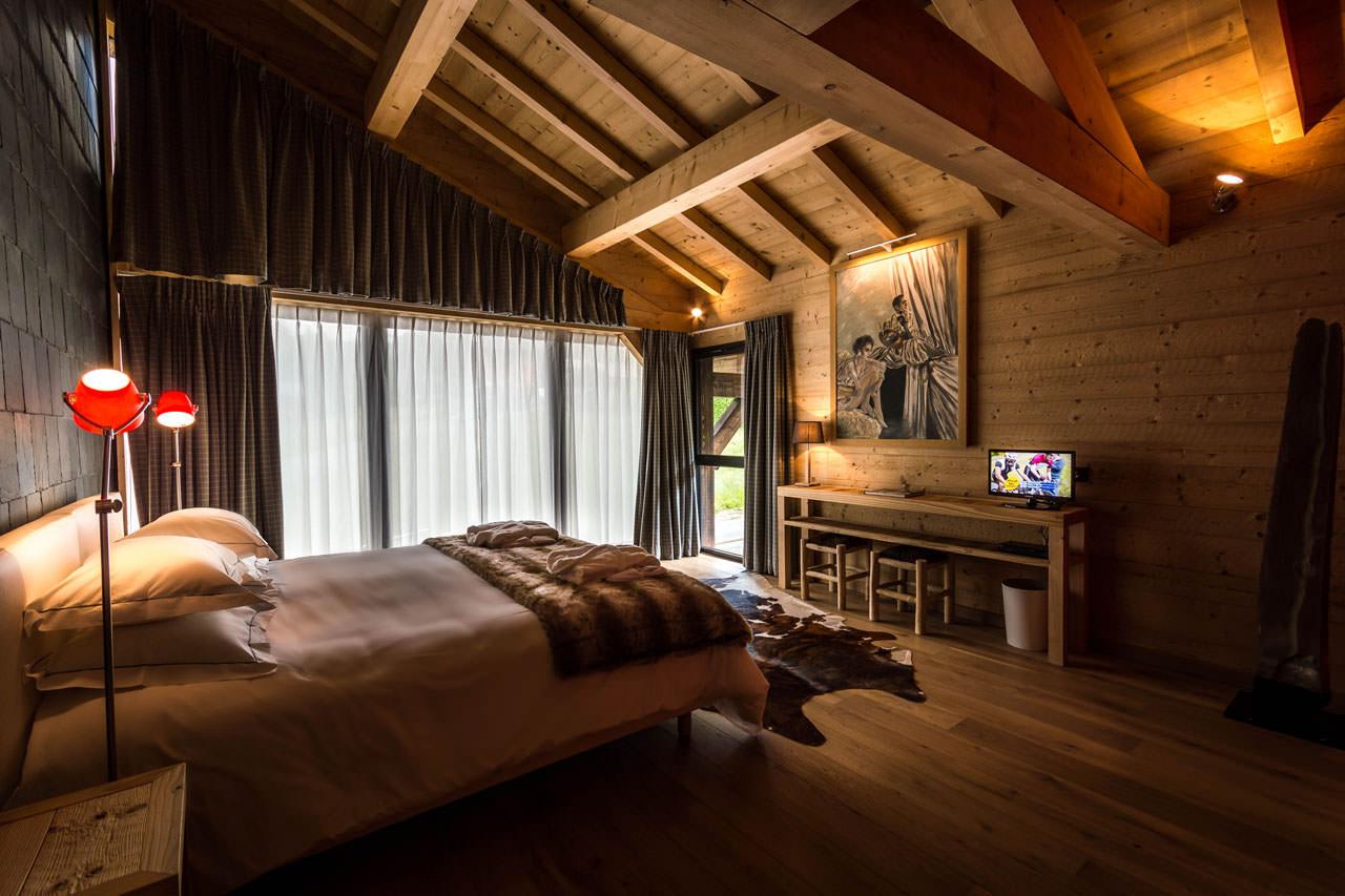 Спальня мансарда деревянный дом дизайн