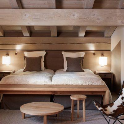 Спальня на мансарде шале