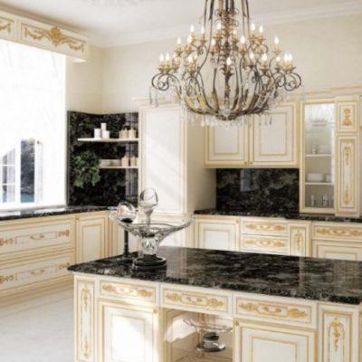 Кухонный гарнитур барокко стиля угловой вариант