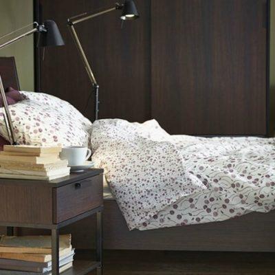 Спальня с лампами