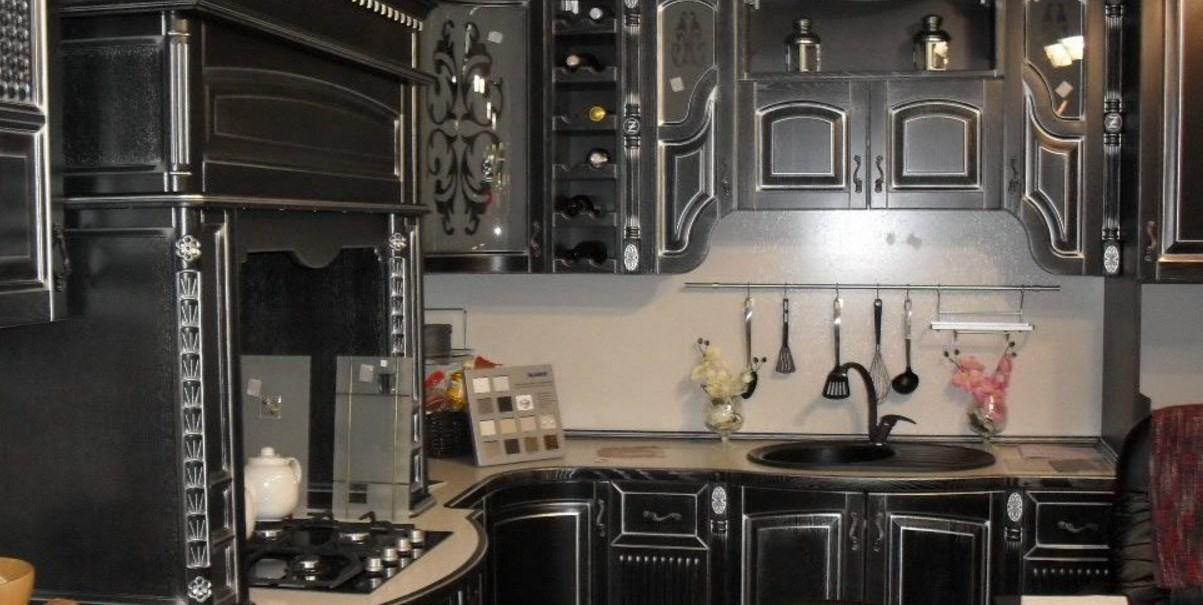 Кухня барокко стиля черная