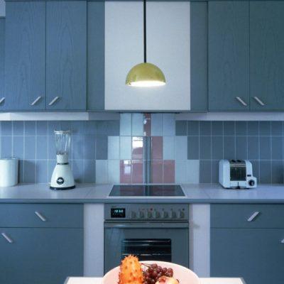 Синий фасад кухни