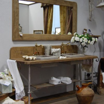 Зеркало с туалетным столиком
