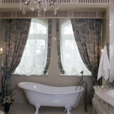 Занавески в кантри ванной