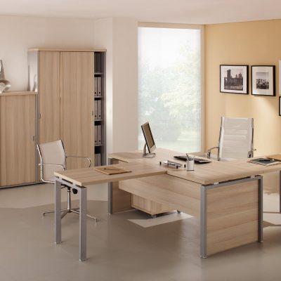 Интерьер кабинета с мебелью