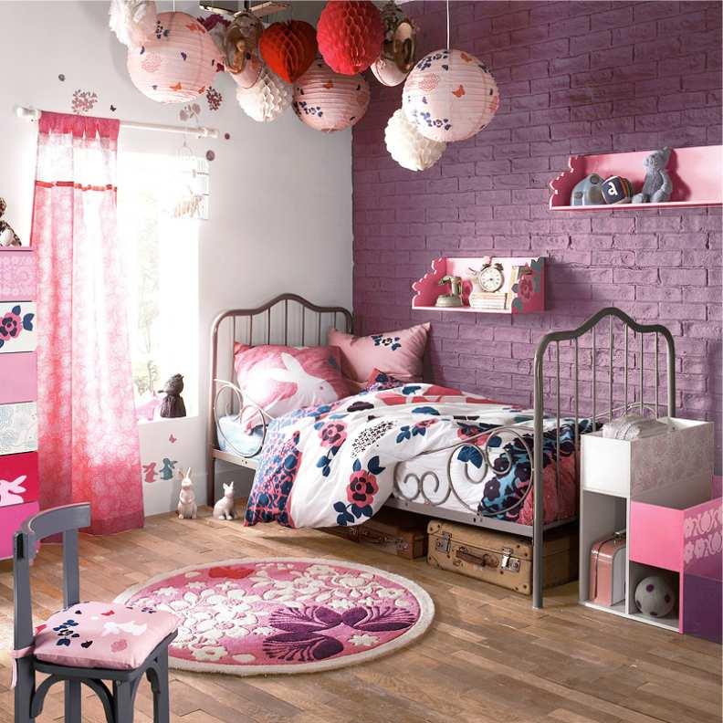 Розовый - это идеальный цвет для девичьей спальни
