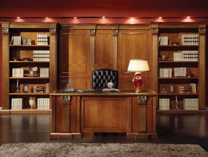 Строгий и при этом роскошный классический стиль в первую очередь говорит о статусе хозяина кабинета