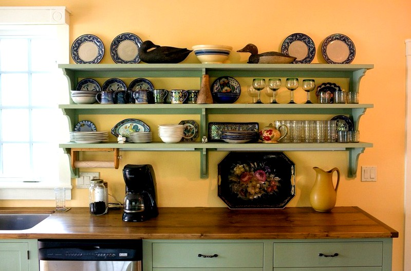 полки на кухню в стиле прованс