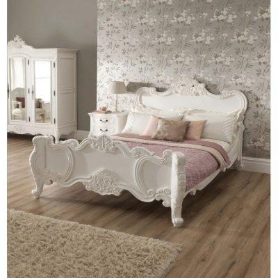 Нежная спальня в бежевых тонах шебби стиля