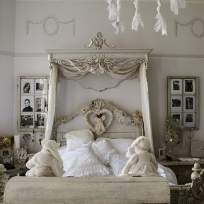 Нежная спальня в бежевых тонах