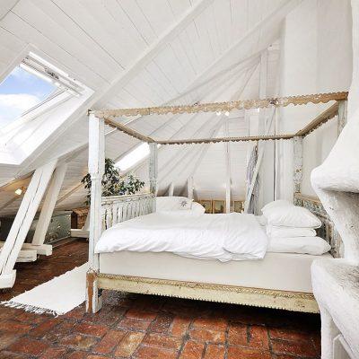 Шебби спальня на мансарде