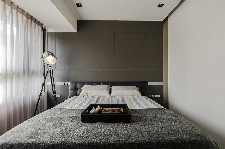 Стиль минимализм будет идеален для маленькой спальной комнаты