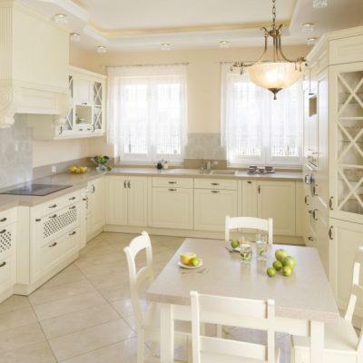 Шторы классика стиля на кухне