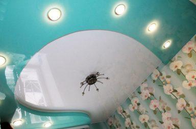 Бесшовный потолок фото бирюзовый