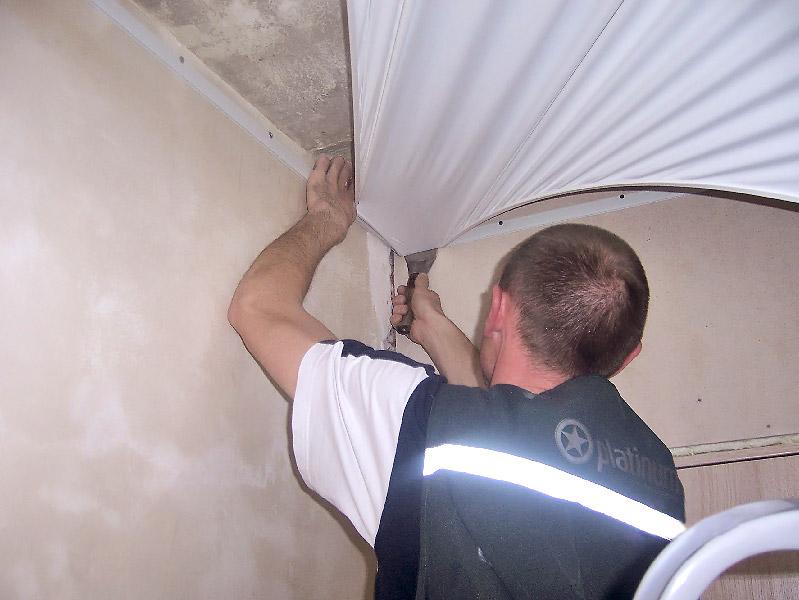 Как правильно сделать натяжной потолок в комнате своими руками