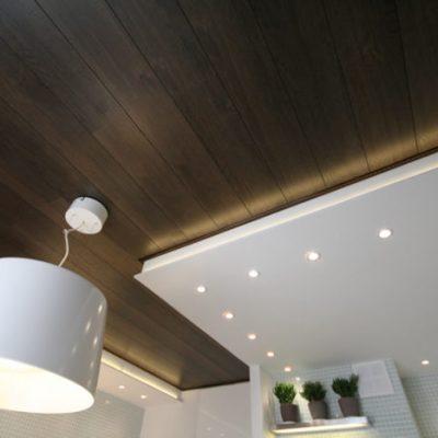 Ламинатный потолок