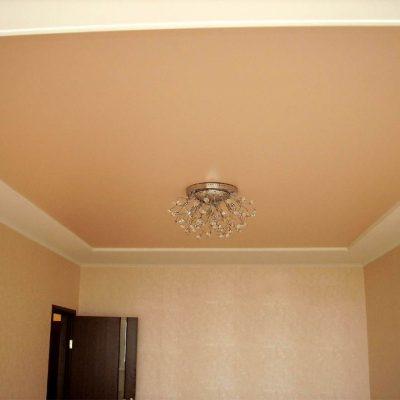 Матовый персиковый потолок