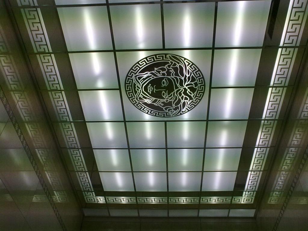 Особенности стеклянного потолка