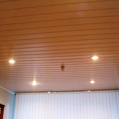 Потолки обшитые вагонкой