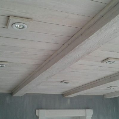 Потолок белая вагонка