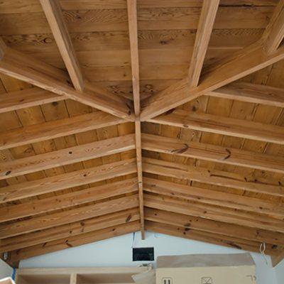Потолок из балок