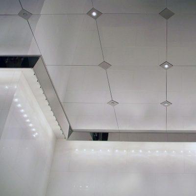 Потолок из зеркала