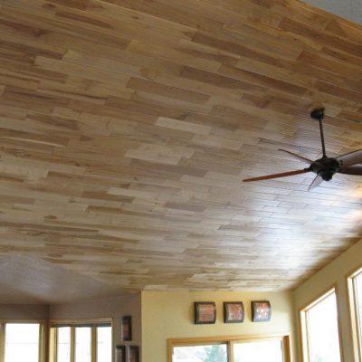 Потолок из ламината