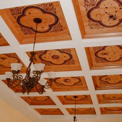 Потолок из фанеры фото