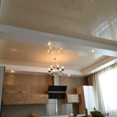 Потолок с балкой