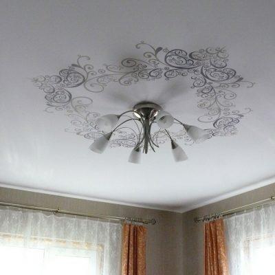 Потолок с рисунком бесшовный