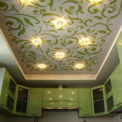 Потолок с рисунком