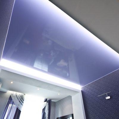 Сиреневый потолок