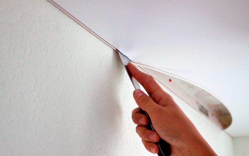 Подробности процесса самостоятельного монтажа натяжных потолков